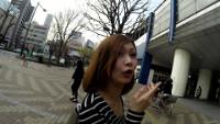 【逆さHERO】!!新作FHD!!胸チラあり!駅歩いて発見!パンティがエロ膨らみ、若妻っぽい色気美人さん!