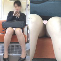 困り顔でめっちゃかわいい就活OLさん、シマシマパ〇ツでさらにかわいい!!![顔出し][4K撮影][ドアップあり]電車からの風景~