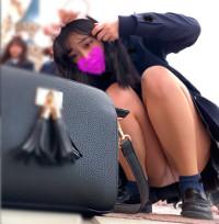 #1 夢の国@あざと可愛い、アイドル系JKのお城前座りスト白P。