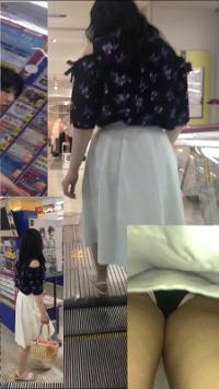 逆さ撮りJDさん&OLさん&主婦スカートの中撮らせて頂きました。