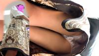 #27 ひらひらロングスカートの中身が前かがみで丸見え &エスカで前から後ろからサテン。